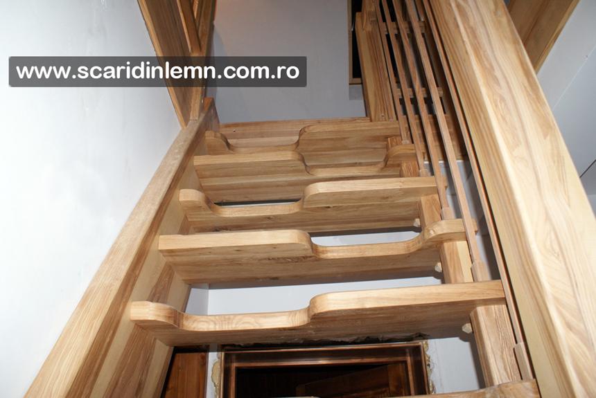 scara interioara din lemn masiv pret cu vang si trepte economice cu pas conditionat